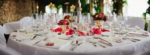 table et couverts de mariage